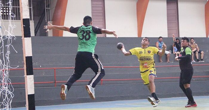 Classificado para as quartas de final, Atlético Amazonas mostra bom entrosamento e vence o Raiz Handebol